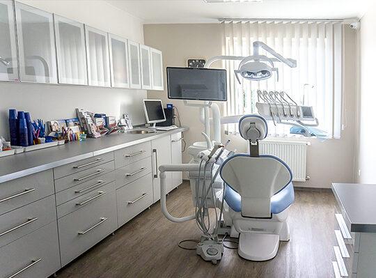 eszközök fogpótláshoz és fogorvosi ellátáshoz